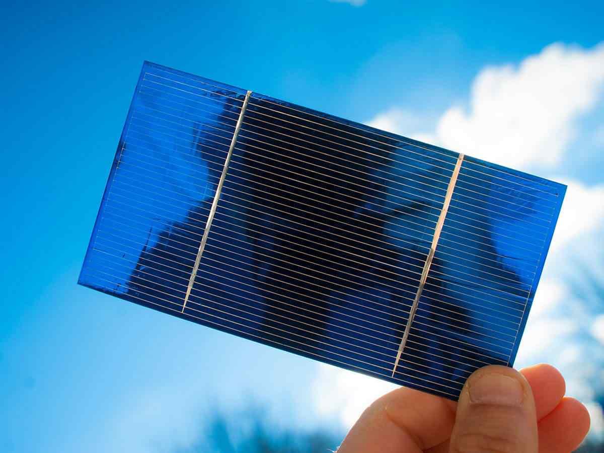 https://solarpanelsjacksonville.com/wp-content/uploads/2018/10/inner_service_02.jpg
